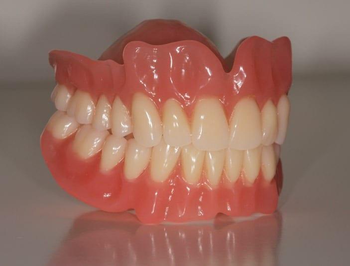 Održavanje proteza za zube